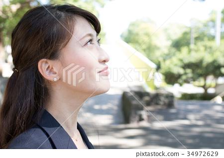 비즈니스 젊은 여성 34972629