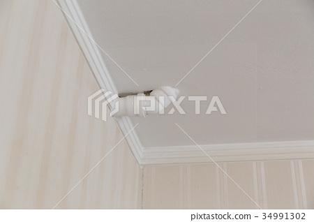 Wrong plumbing inside 34991302
