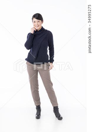 30 대 후반의 일본인 여성 34995275