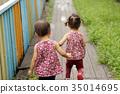 手牽手 姊妹 雙胞胎 35014695