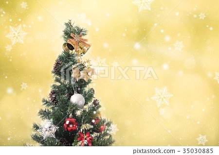 Christmas tree with decoration and snowflake 35030885