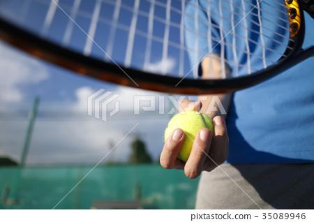 男人的手打網球 35089946