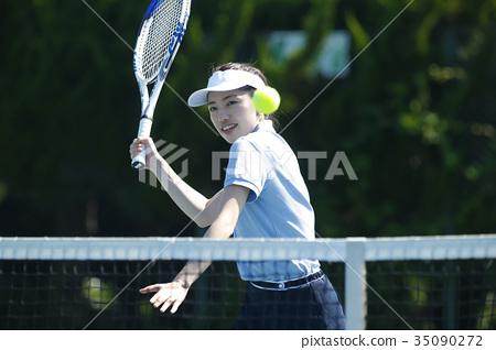 打网球的女人 35090272