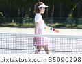테니스 코트에있는 여자 35090298
