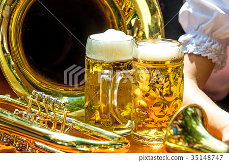 beer mugs with trumpet 35148747