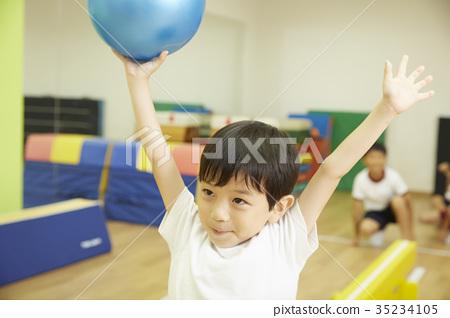 Gymnastics classroom children average ball ball training 35234105