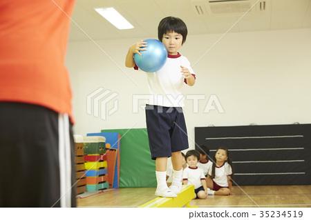 體操教室兒童平均球類訓練 35234519
