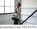一個女人誰做拳擊 35235705
