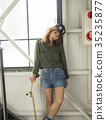 溜冰者時尚女性 35235877