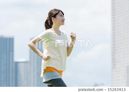 女人慢跑 35263913