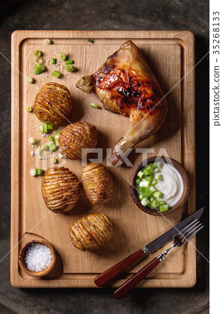 Accordion baked potatoes 35268133