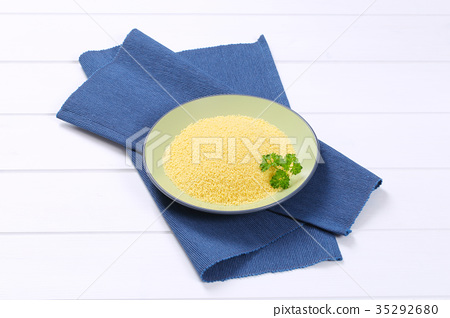plate of raw couscous 35292680