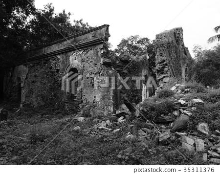 Monochrome ruin 35311376
