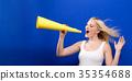 女人 女性 扩音器 35354688