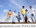 젊은남자,친구,스케이트보드 35452366