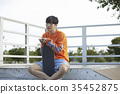 젊은남자,스케이트보드 35452875