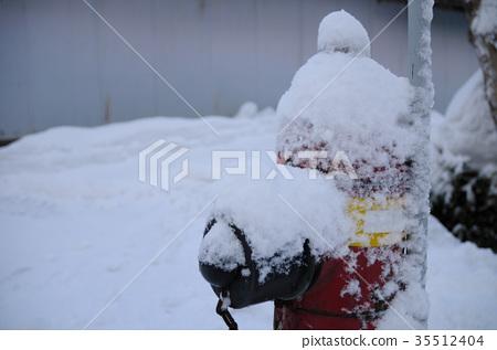 Fire hydrant winter 35512404