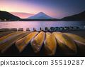 Lake Shojiko with Mt.Fuji in morning 35519287