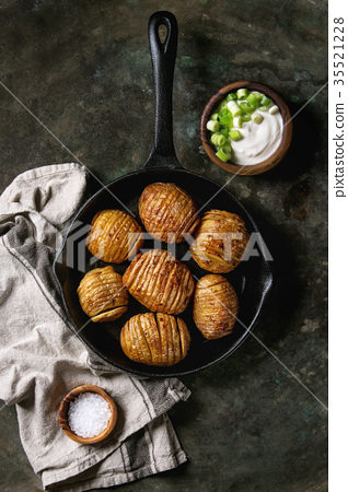 Accordion baked potatoes 35521228