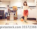 Men and women who enjoy bowling 35572366