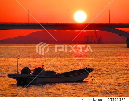 日落和船與日落 35573582