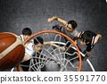 打籃球的男人 35591770
