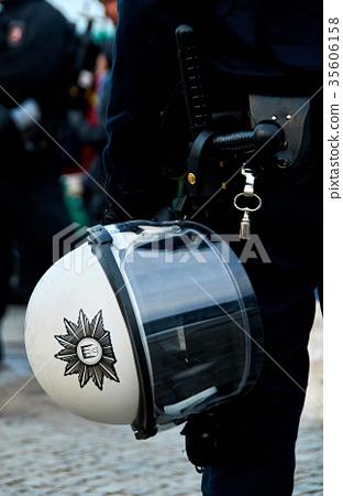 police helmet 35606158