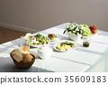 빵, 식탁, 음료 35609183
