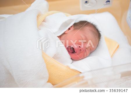 신생아 생후 0 개월 35639147