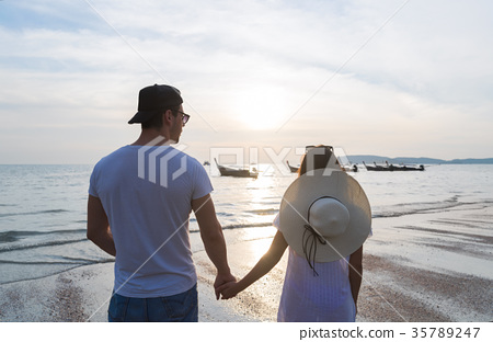 Couple Beach Summer Vacation, Man Woman Holding 35789247