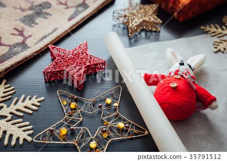 Christmas holiday decorations 35791512