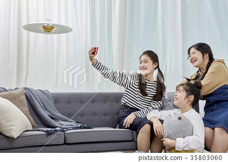 Friends, high school students, self-camera 35803060