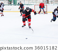 Ice hockey skater in counterattack 36015182