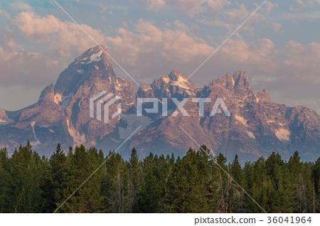 Teton Sunrise 36041964