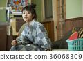 婦女在溫泉娛樂室 36068309
