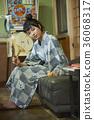 婦女在溫泉娛樂室 36068317