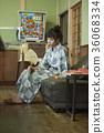 婦女在溫泉娛樂室 36068334