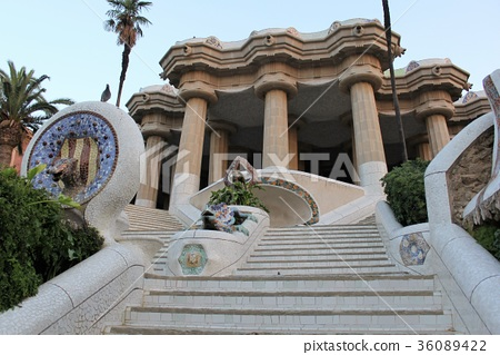 高迪的公園Guell,巴塞羅那,西班牙 36089422