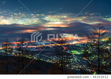 """""""山梨縣""""甲洞盆地的夜景,Unsea 36101612"""