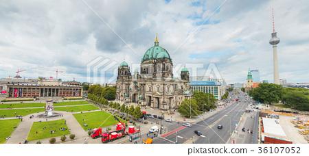 Overview of Berlin 36107052