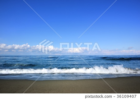 Early Spring Sea of Japan 36109407