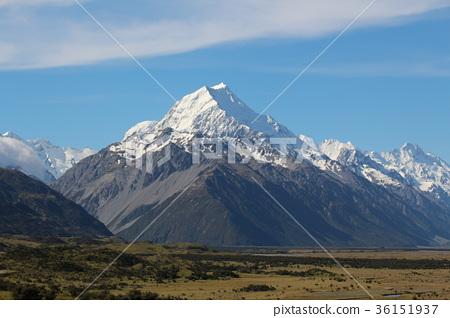 Mount Cook in New Zealand 36151937