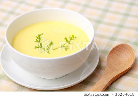 玉米奶油汤 36264019