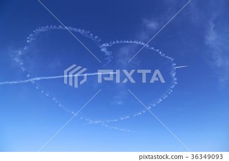 Heart symbol representation by contrail Blue Impulse Irma Air Festival 36349093