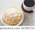 멜론 빵과 커피 36390731