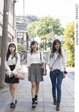 一个女人三人去探索尾道 36444027