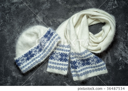 White woolen knitted hat and scarf  36487534