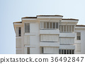 Multi-storey residential building 36492847