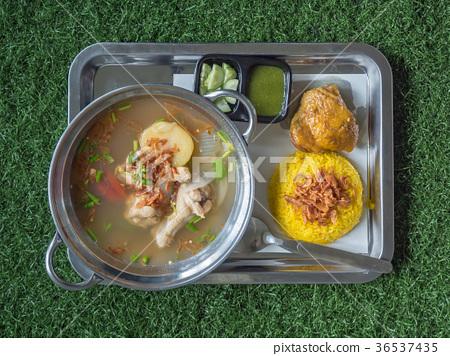 Thai chicken biryani and chicken soup 36537435