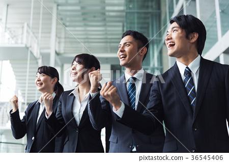 商業膽量構成團隊 36545406